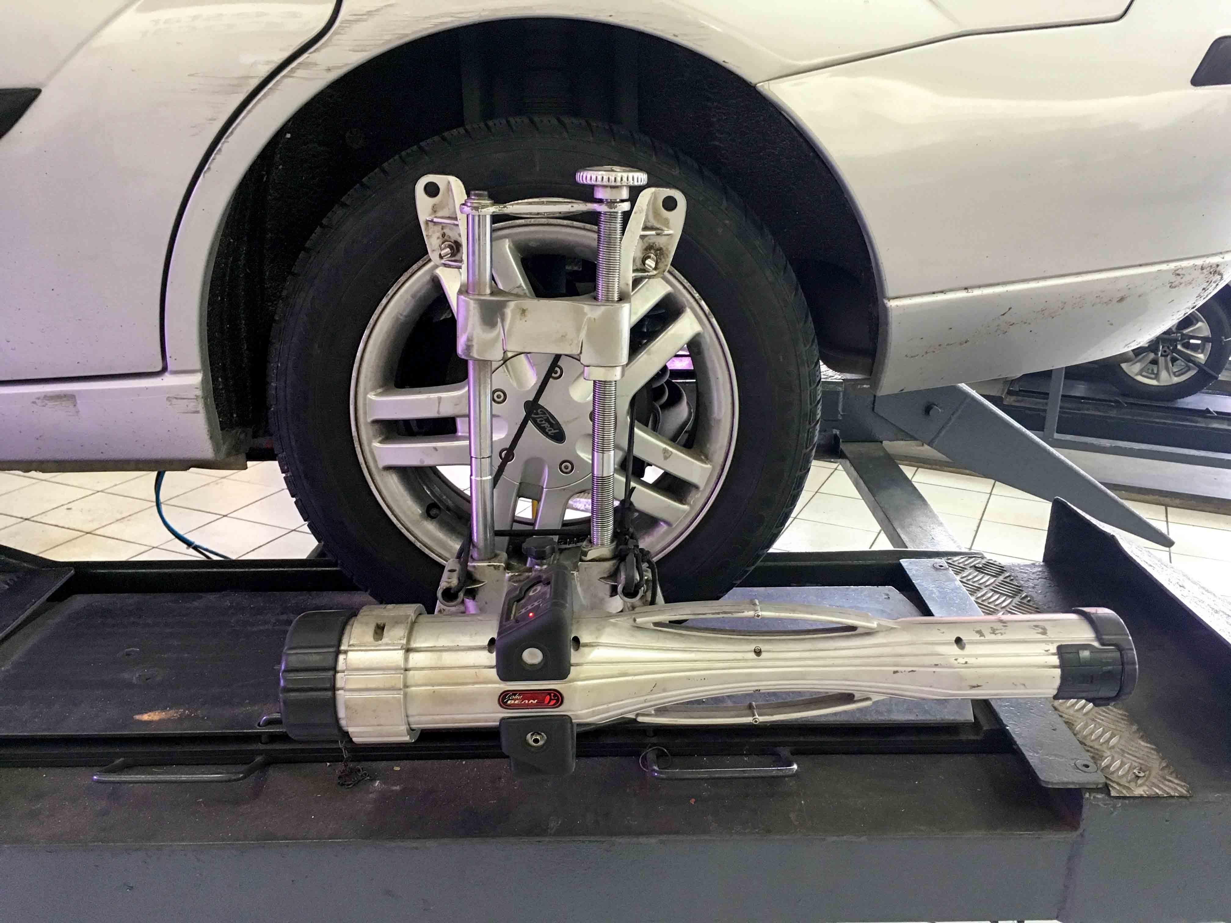 Mazda 3 Service Manual: Fuel Filter (High Pressure) RemovalInstallation Mzr 2.0, Mzr 2.5